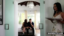 Stepsiblings Take Advantage of MILF Crystal Rush - HD